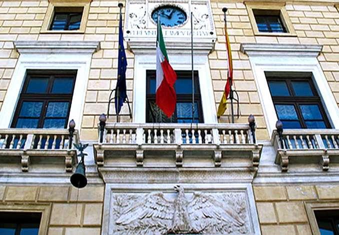 Indagato Sindaco di Palermo, bilanci comunali falsi