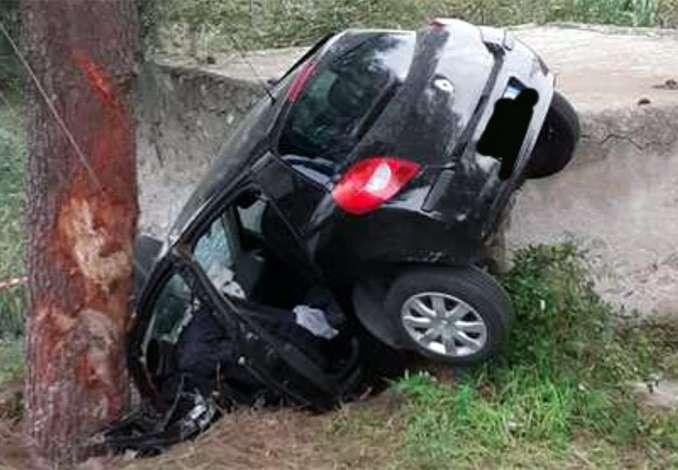 Auto contro albero a Lipari, muore ragazza