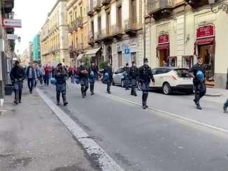 Cortei contro green pass a Catania e Messina